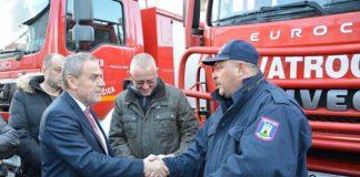 Predaja vatrogasnih vozila - Milan Bandić - vatrogasci