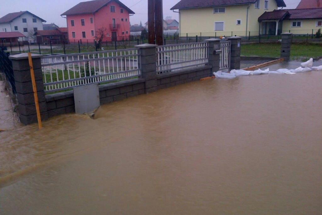 Zbog poplava na području Zagreba i okolice proglašene izvanredne mjere