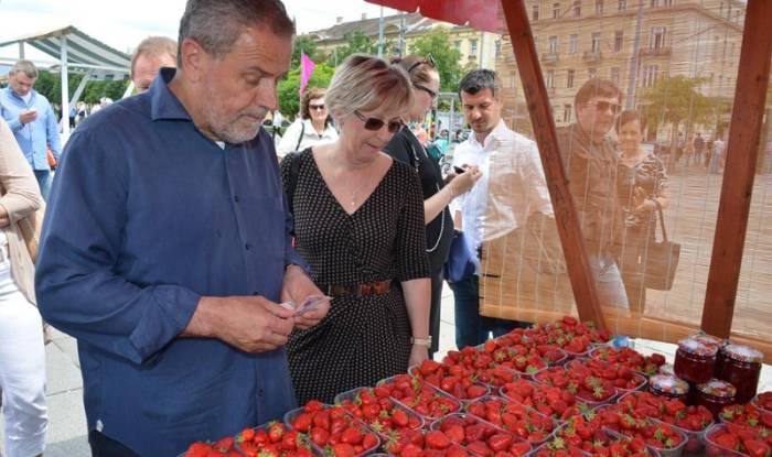 Otvoreni Dani zagrebačkih jagoda - Poslovni dnevnik