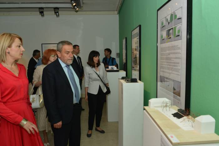 Izložba - spomen-obilježje žrtvama Holokausta