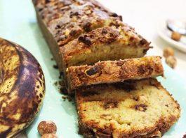 Banana kruh s čokoladom i kokosom