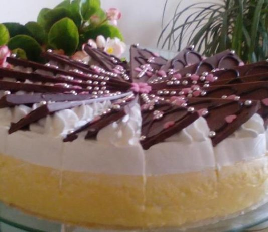 Zagrebačke kremšnite kao torta