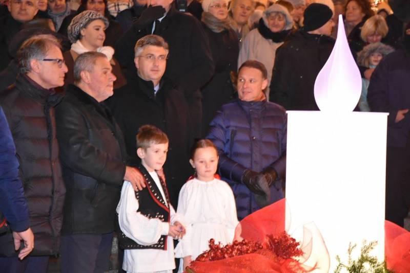 Advent u Zagrebu - Andrej Plenković i Milan Bandić