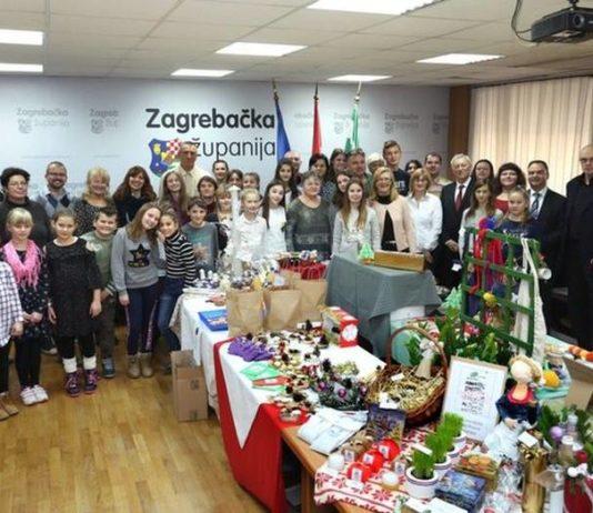 Božićna izložba radova učeničkih zadruga