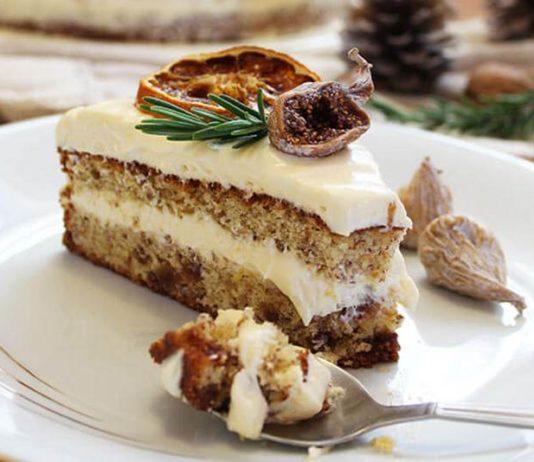 Torta s narančom, prženim bademima i suhim smokvama