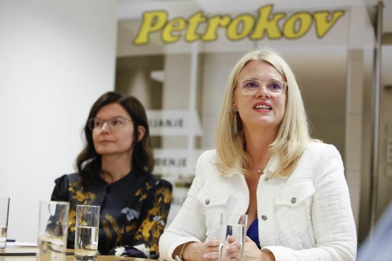 Petrokov - direktorica Simona Zavratnik, vlasnica tvrtke Sussane Schneider