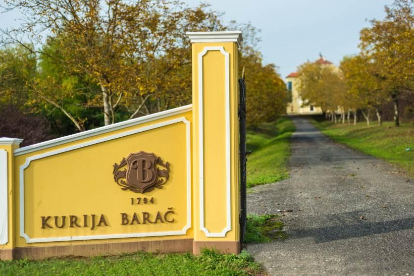 Kurija Barač