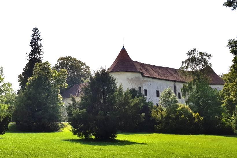 DVORAC ERDÖDY: Prekrasno zdanje u čarobnom perivoju