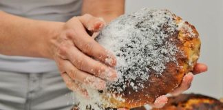 BLATSKA LUMBLIJA: U Zagrebu održana prezentacija izrade autohtonog korčulanskog kolača