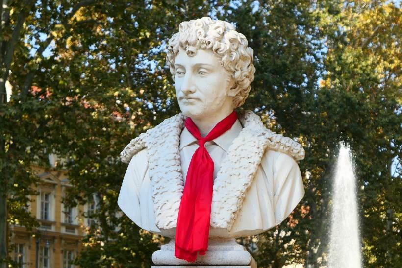 Festival Dani kravate 2018 - Kravatu je dobio i spomenik Andriji Meduliću