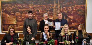 Bandić primio Miss Universe Hrvatske uoči njenog odlaska na Svjetski izbor za Miss Universe
