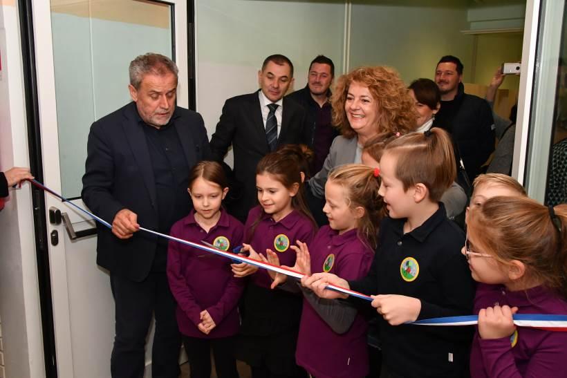 SVEČANOST U KOZARI BOKU: Otvorena dograđena i obnovljena osnovna škola Dr. Vinka Žganca