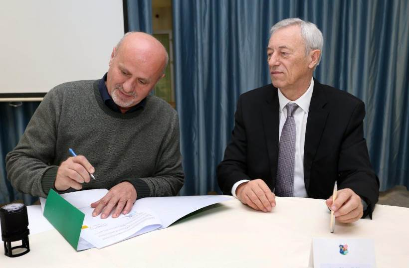 ZDRAVA PREHRANA ZA UČENIKE: Potpisani ugovori o provedbi projekta Školska shema