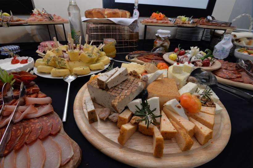 Srijemski doručak zamirisao u središtu Zagreba, u glavni grad stigao je ravno iz Iloka