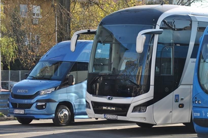 ZA BOLJU TURISTIČKU PONUDU: ZET nabavio 12 atraktivnih električnih vozila i dva nova turistička autobusa