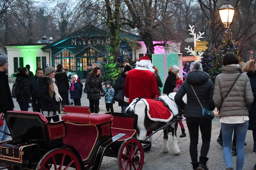 ADVENT U MAKSIMIRU: Čarobni božićni ambijent uz koncerte i dobru zabavu u večernjim satima