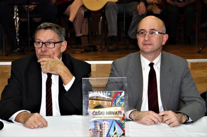 Predstavljena knjiga 'Češki Hrvati – hrvatski tragovi u Češkoj' Marijana Lipovca i Franje Vondračeka