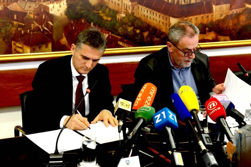 Država darovala Gradu Zagrebu zemljište za izgradnju žičare, Marić i Bandić potpisali ugovor