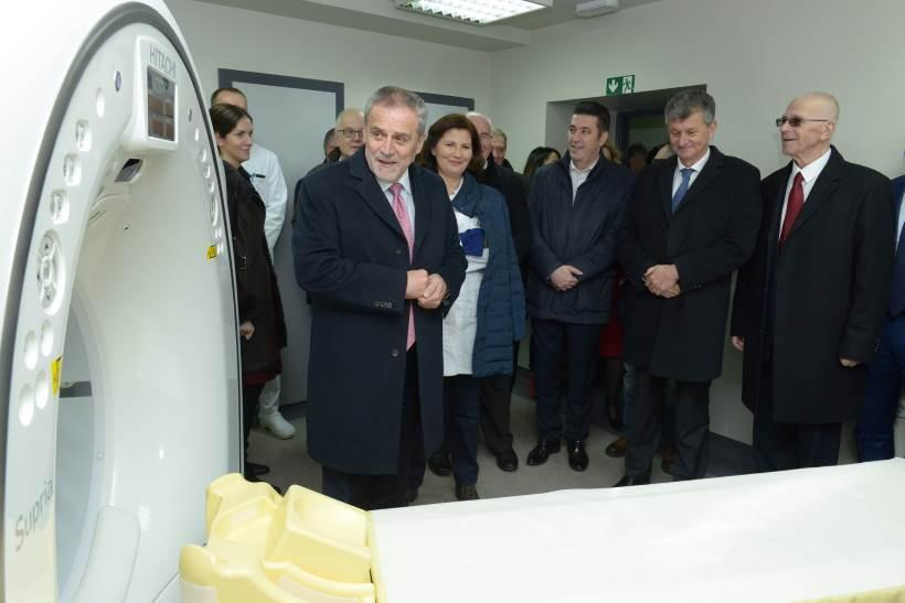 Psihijatrijska bolnica Vrapče je prva psihijatrijska ustanova u Hrvatskoj koja ima CT uređaj