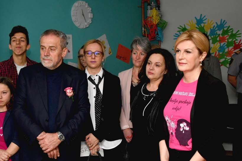 DAN RUŽIČASTIH MAJICA: Grabar-Kitarović i Bandić posjetili Savjetovalište Luka Ritz
