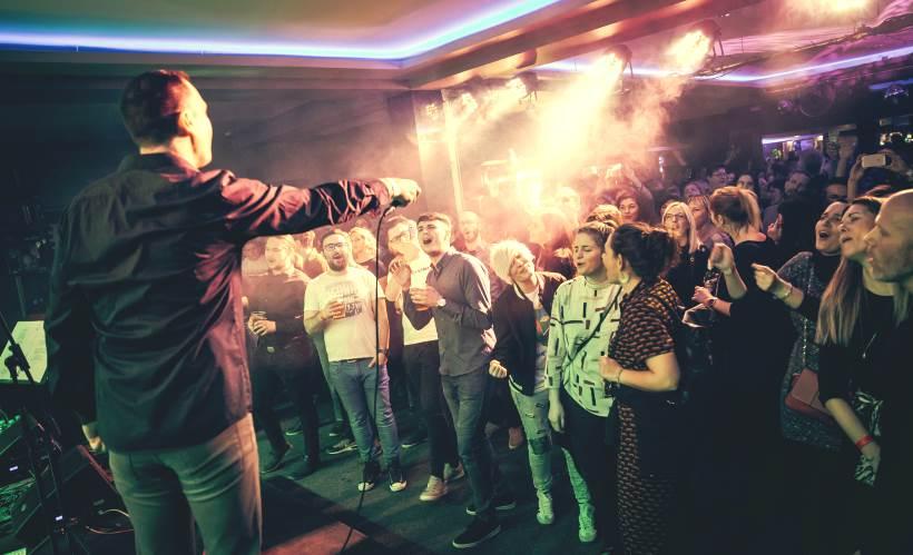 Hitovi Dine Dvornika rasplesali prepun Metropolis club [FOTO]