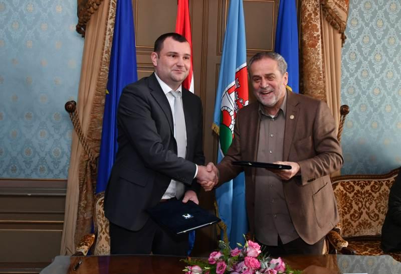 Gradonačelnici Bandić i Lneniček potpisali Povelju prijateljstva Zagreba i Daruvara