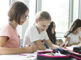 TAKO TO RADE U BEČU: Školarci besplatno dobivaju i udžbenike, i školski pribor!