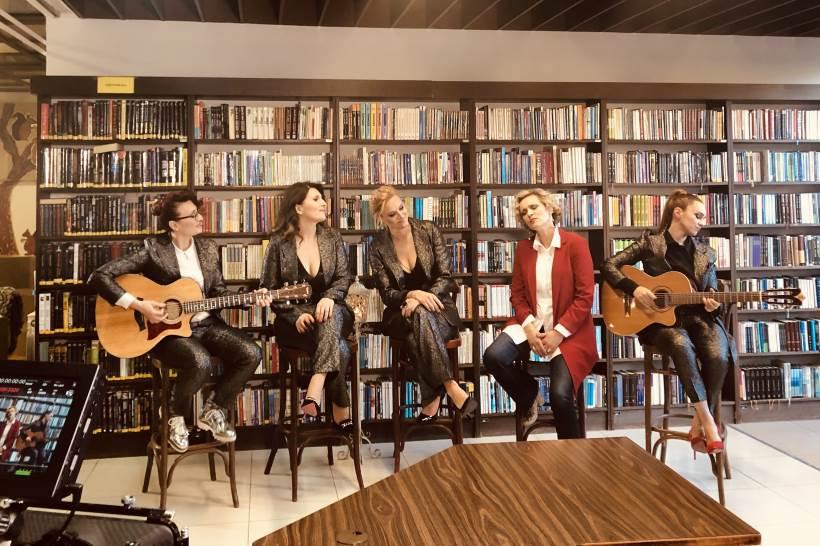 THE FRAJLE I VANNA: Pet iznimnih vokala spojenih u bezvremenski hit [VIDEO]