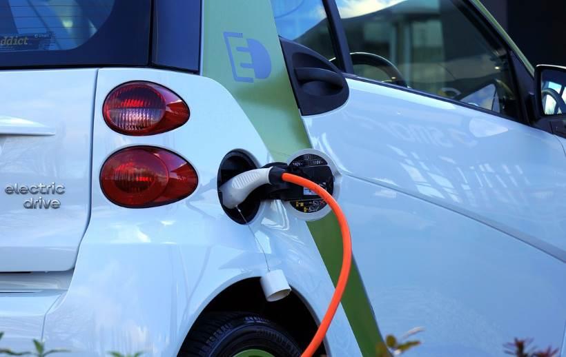 Država opet dijeli poticaje za kupnju električnih automobila, i to do 80.000 kuna