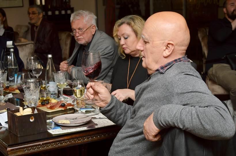 VINSKI RAZGOVORI uz vina iz boutique vinarije Borisa M. Violića s Pelješca