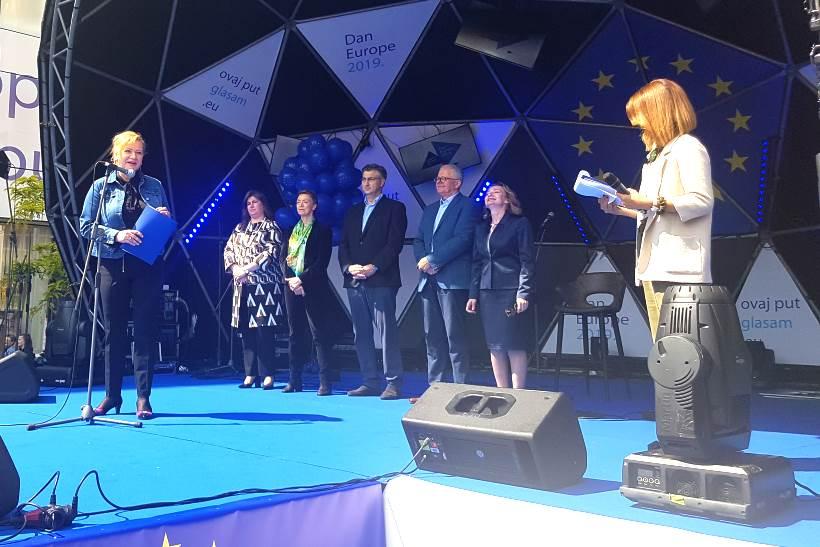 DAN EUROPE: Veleposlanici odmjerili snage u pripremi sendviča s autohtonim sastojcima
