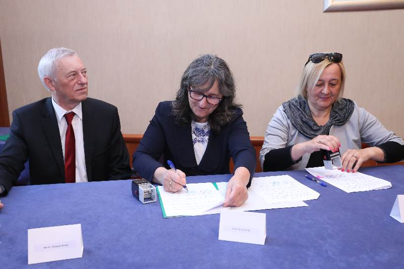 Besplatni udžbenici i radne bilježnice za sve osnovnoškolce u Zagrebačkoj županiji