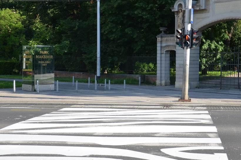 MALO DRUGAČIJI PJEŠAČKI PRIJELAZ: Na Maksimirskoj cesti ponovo zebrine pruge