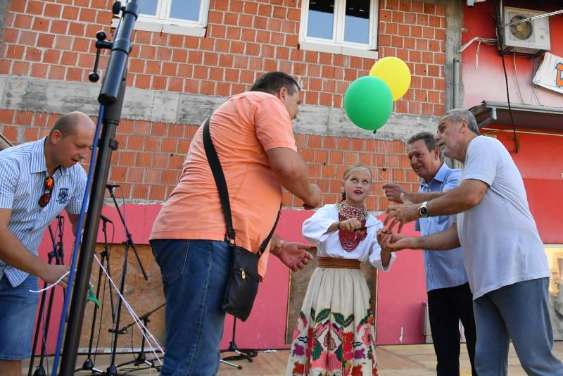 26. DANI SVETE KLARE: Veliku feštu u novozagrebačkom naselju otvorio gradonačelnik Bandić