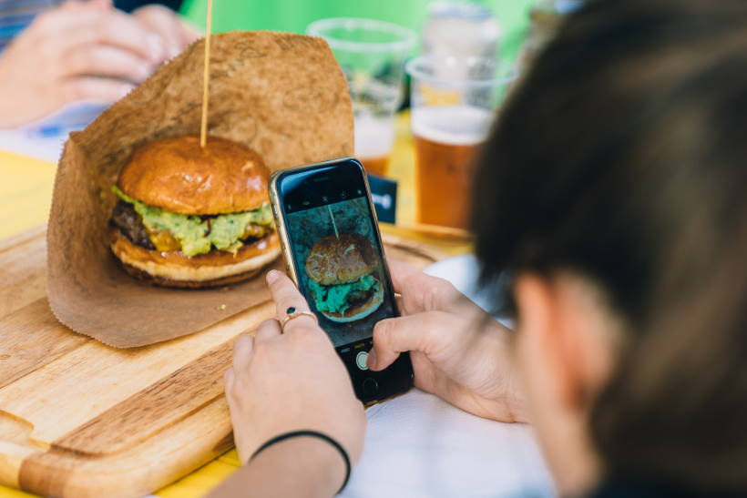 STREET FOOD: Raskoš burgerskih kreacija od sljedećeg tjedna na Strossmayerovom trgu