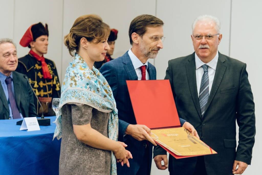 Academia Cravatica - Veleposlanik kravate Miro Gvaran
