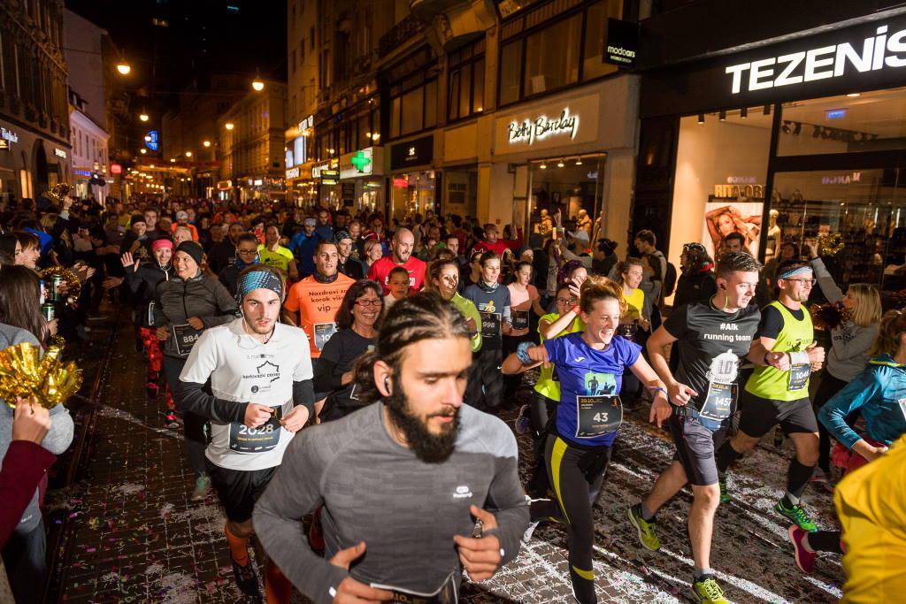 NOĆNI CENER: Najomiljenija zagrebačka utrka, startni brojevi rasprodani za samo 3 sata i 30 minuta