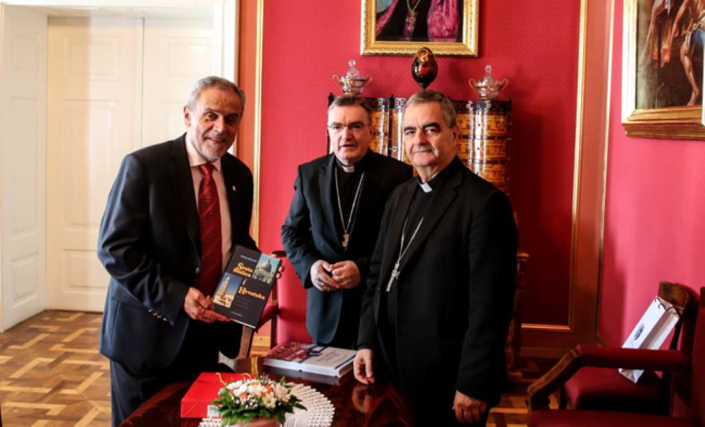 Kardinal Josip Bozanić i apostolski nuncij Nikola Eterović primili gradonačelnika Bandića