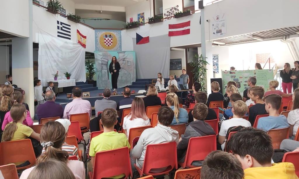 Osnovna škola Frana Galovića domaćin u sklopu projekta Erasmus + KA2