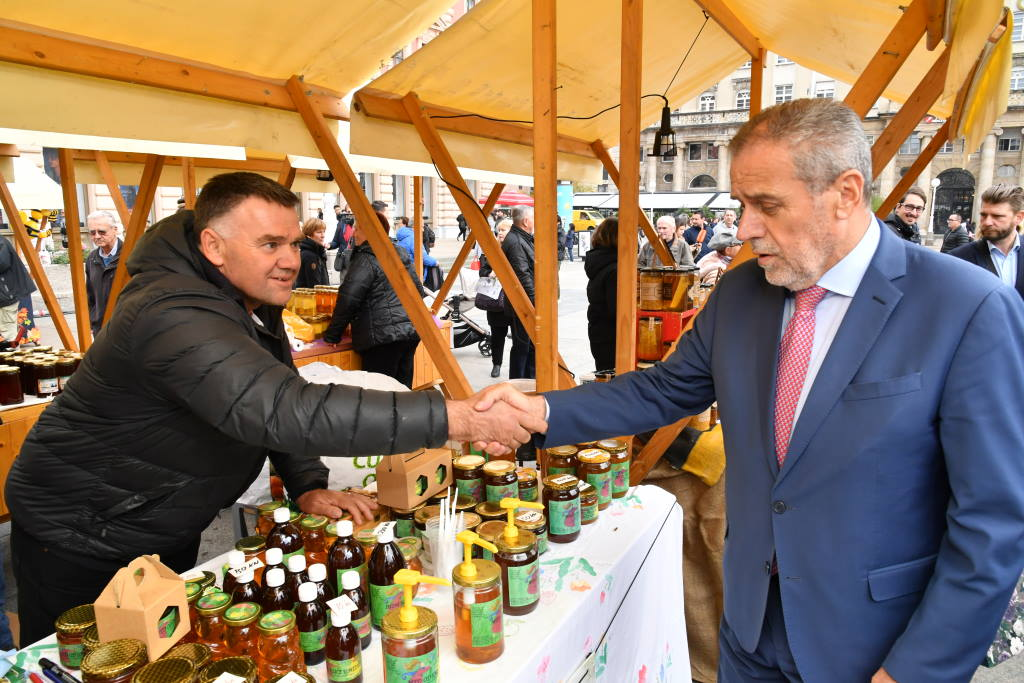 DANI MEDA U ZAGREBU: Prava prilika da na glavnom gradskom trgu kušate domaći med