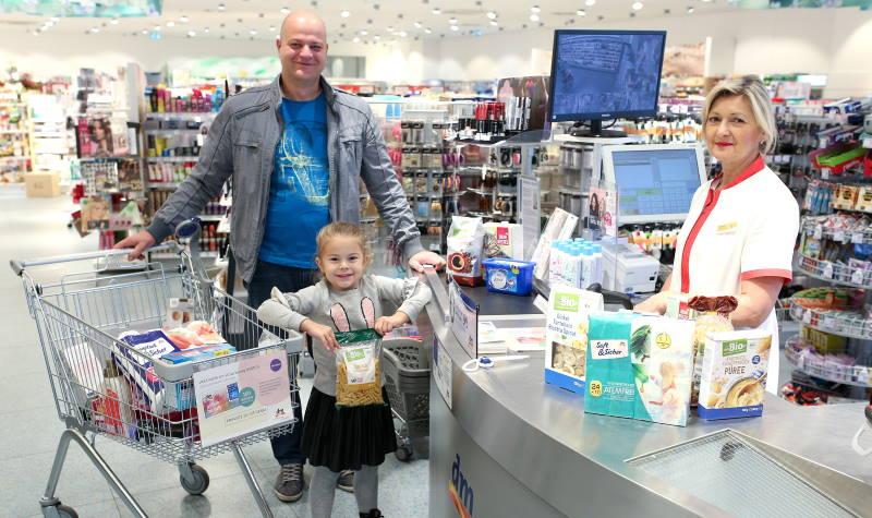 Zahvaljujući velikom odazivu kupaca, dm osigurao donaciju od 337.392 kuna za životno ugroženu djecu