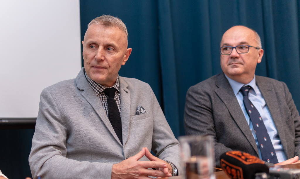 Dr. Vladimir Draženović, voditelj Nacionalnog referentnog centra za gripu, i prof.dr.sc. Ratko Matijević iz Klinike za ženske bolesti i porode KB-a Merkur