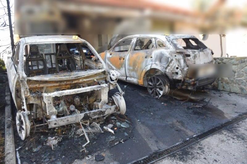 Zapaljeni automobili
