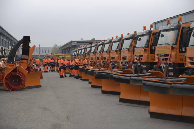 ZIMSKA SLUŽBA JE SPREMNA: Snijeg će čistiti 292 ekipe sa 175 kamiona i 117 specijalnih vozila