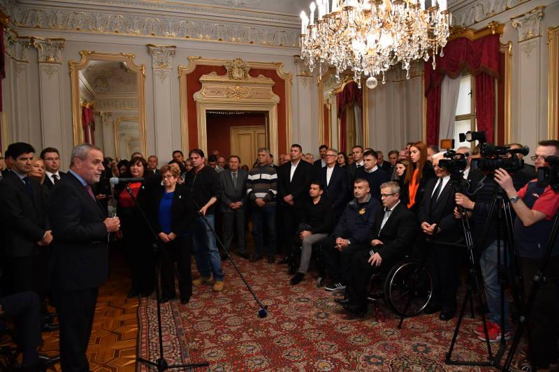 Bandić organizirao božićni prijem za ratne zapovjednike i predstavnika udruga proisteklih iz Domovinskog