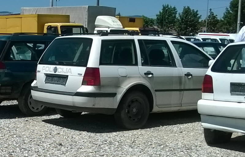 AKO VAM TREBAJU DIJELOVI: Policija prodaje 11 vozila koja nisu za registraciju, cijena već od 90 kuna