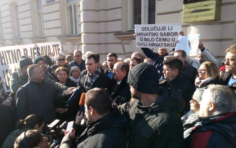 """Zbog slučajeva """"franak"""" i """"RBA zadruga"""", zastupnici podigli kaznenu prijavu protiv čelnih ljudi HNB-a"""