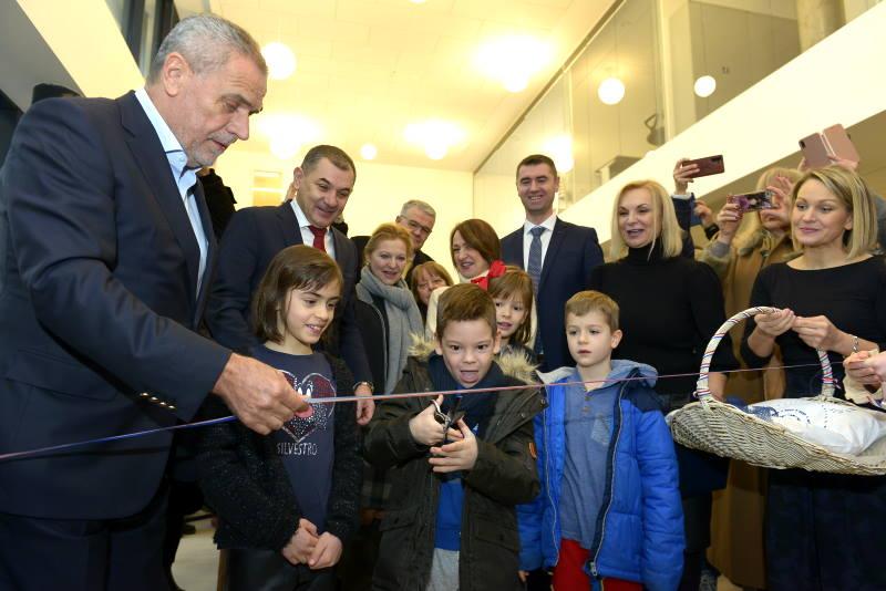 Središće dobilo novu osnovnu školu, izgrađenu po europskim standardima