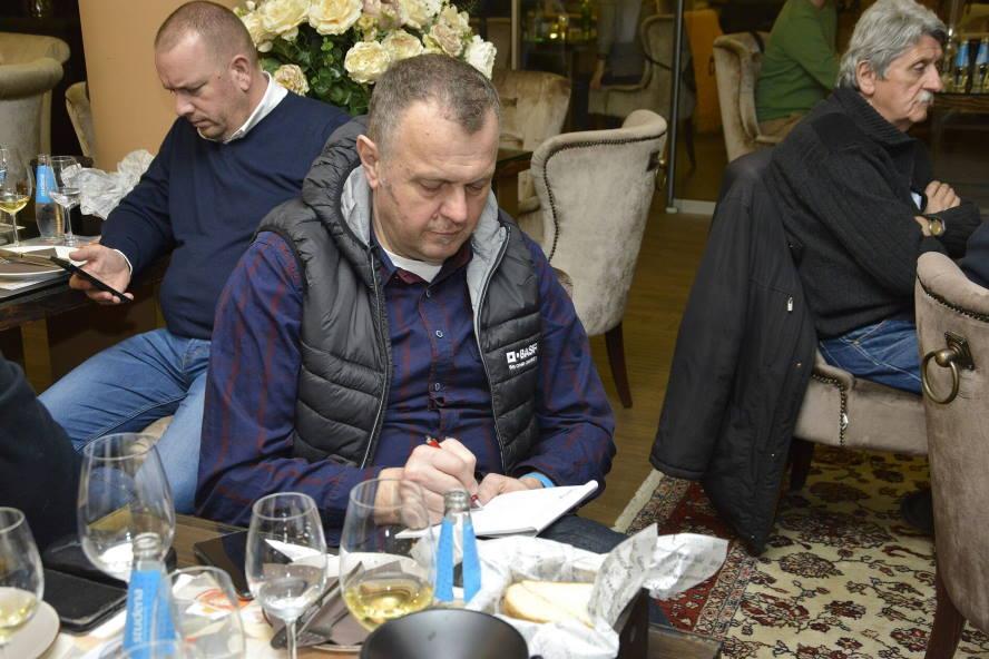 VINSKI RAZGOVORI: Fini zalogaji i ljubavna poezija uz autohtona vina i likere Fiolić
