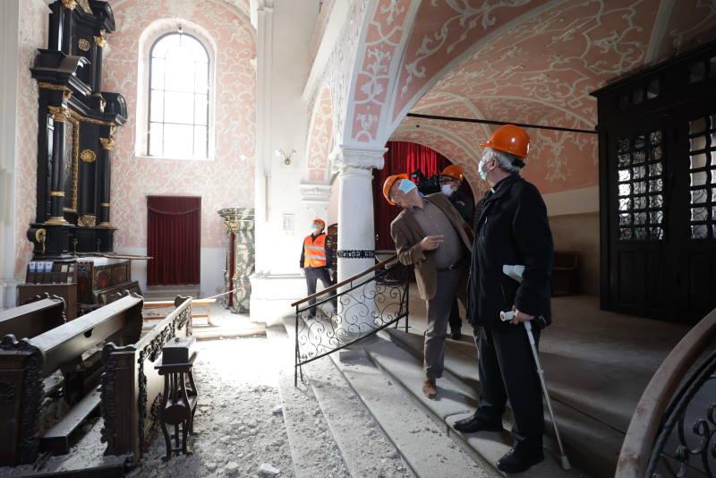 Gradonačelnik Bandić obišao sakralne objekte stradale u potresu